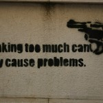 34 lisboa graffiti - italiani a lisbona - foto