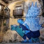 22 lisboa graffiti - italiani a lisbona - foto