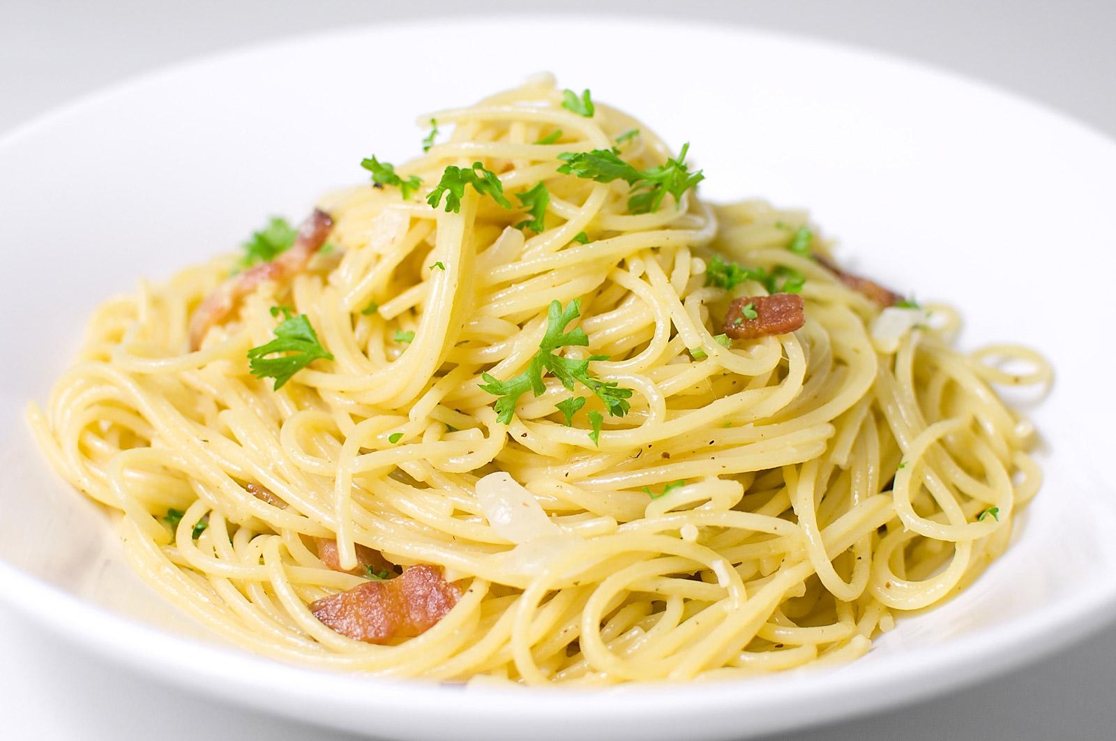 spaghetti italiani a lisbona fiera dell'artigianato lisbona